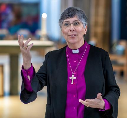 Bishop Guli in Cathedral